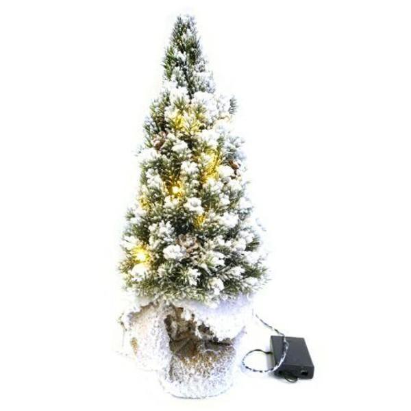 Baum beleuchtet mit Batterie